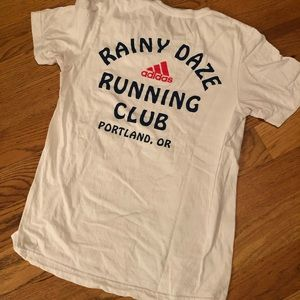 Rainy Daze running club tee 🏃‍♀️